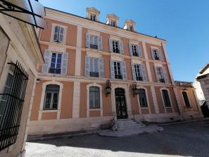 Opportunité touristique - A vendre bien atypique à Digne les Bains