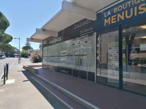A louer local d'activité à Manosque de 137 m² sur avenue passante.