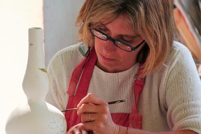 CC PAA - Christine LALLIER, Faïencière Atelier Lallier, Moustiers-Sainte-Marie